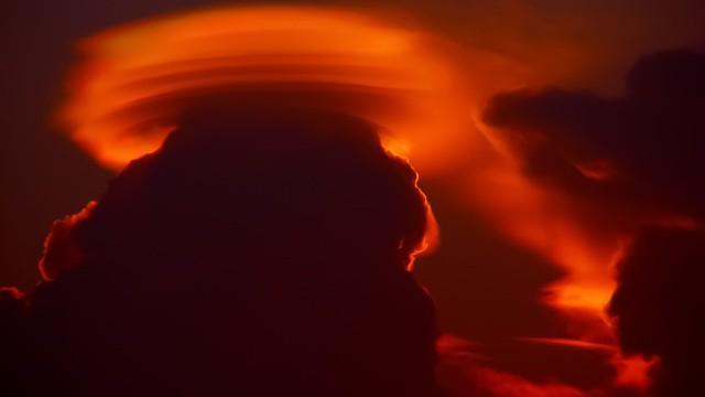 Mimozemská invaze? Nad Kapským Městem se objevil podivný úkaz připomínající UFO