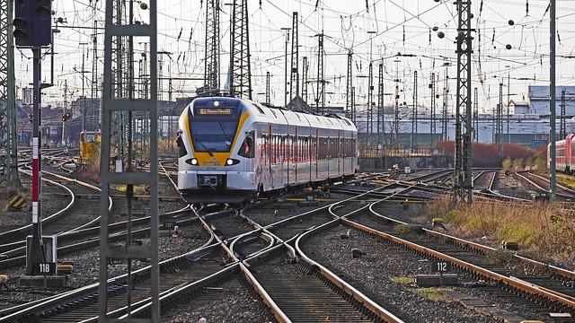 Sledujete Cesty k sobě i při jízdě vlakem? Pak vás může zajímat tento článek: Víte, proč vám nefunguje internet ve vlaku, když ho nejvíce potřebujete?