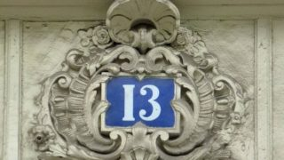 Numerologie bytu a domu: jaká adresa vám přinese štěstí?